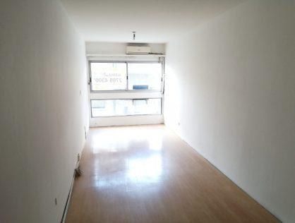 Alquiler Apartamento Monoambiente, Avenida 18 De Julio, Tres Cruces $12.000
