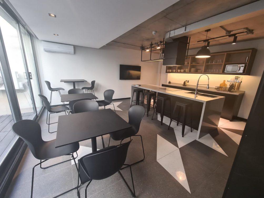 11-Open Kitchen