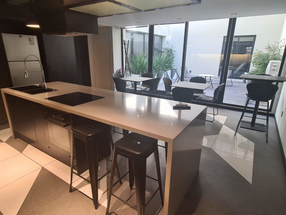 12-Open Kitchen